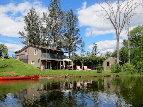 Sweet & Simple Cottage on the Scenic Gull River
