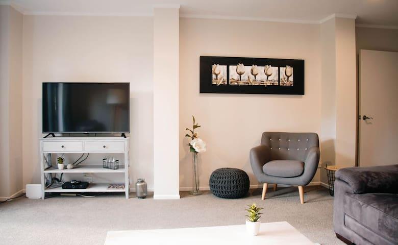 Lounge - Sky TV, Sky Movies, Sky Sports and Chromecast