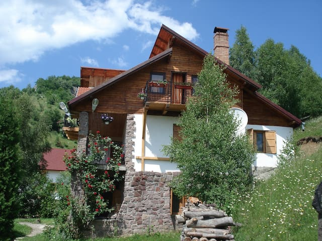 ANNA GUESTHOUSE