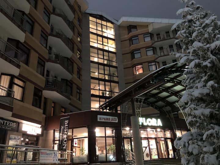 Flora Ski Apartment 613