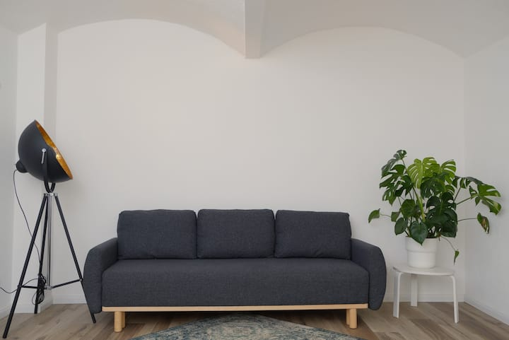 Stilvoll renovierte Souterrainwohnung in Elbnähe