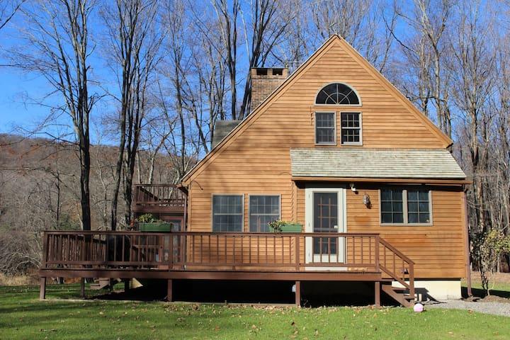 Cozy Hillsdale Cabin - ฮิลล์สเดล - บ้าน