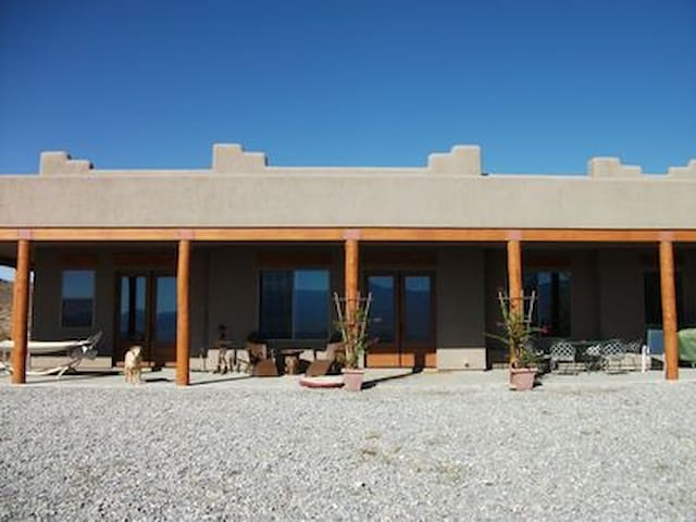 Convenient to Front Sight and Death Valley - Pahrump - Casa