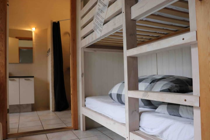 Bunkbed in the hall.