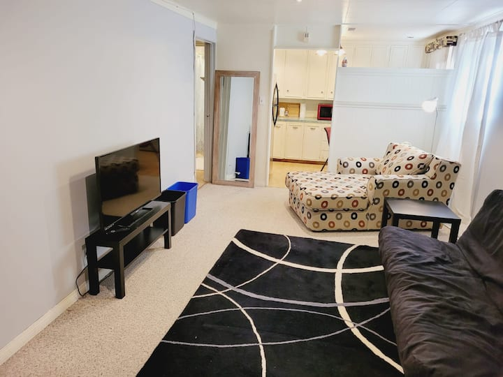 Beautiful Southview 1 Bedroom Apartment