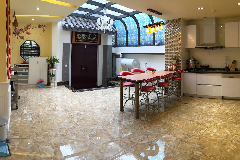 全开放式厨房,设施设备齐全