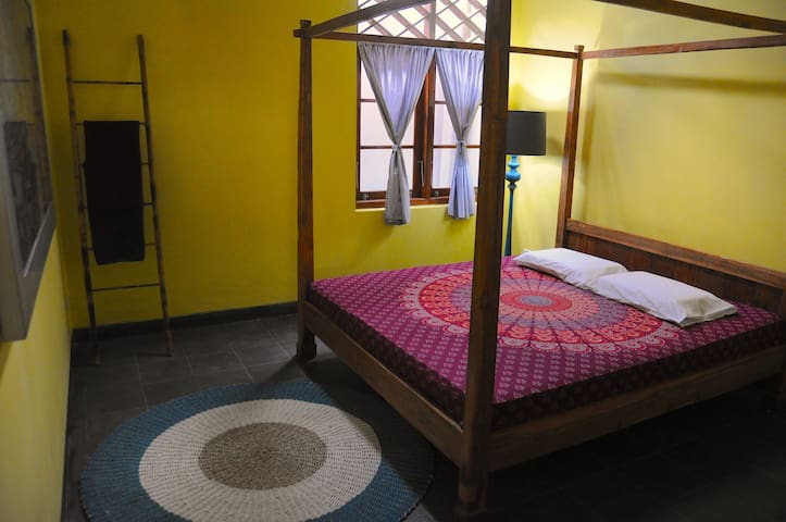 Room 1 - AC, bed size 180 x 200