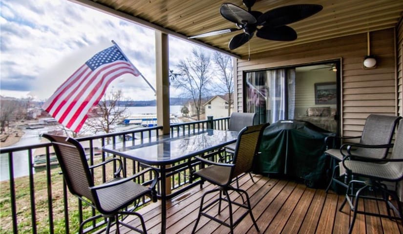 LOCATION! Lakefront and Poolside Condo