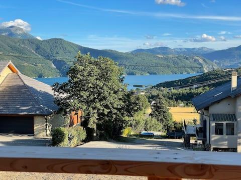 Home with view on the Serre-Ponçon lake