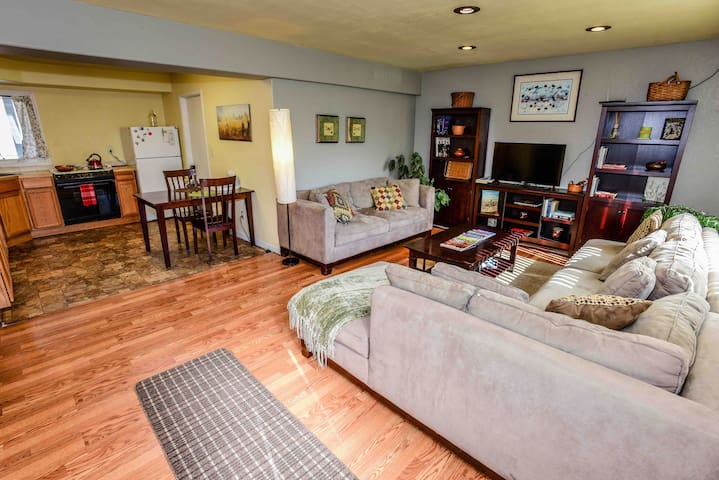 Clancy Casa: Close to Trails and Downtown