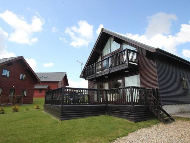 WILLOW LODGE, pet friendly in Newquay, Ref 959372