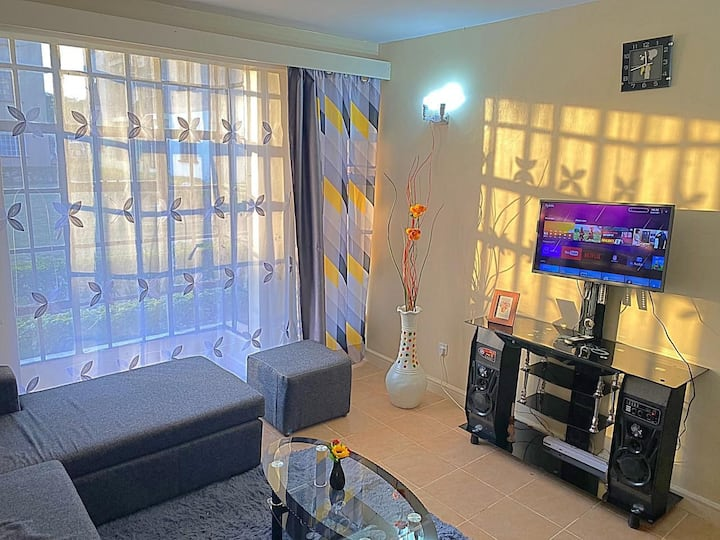 1 Bedroom Home Apartment With Queen SizeBed & Wifi