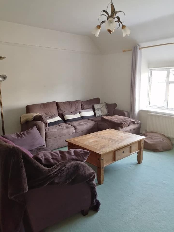 Peaceful flat in pretty Cotswold village