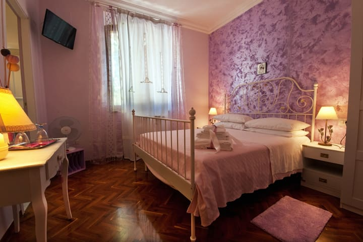 Quadrupla Naples B&BVillaPatrizia - Ripatransone - Bed & Breakfast