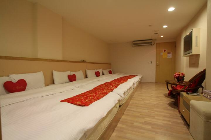 Seven-people room -Tanxiang Resort Hotel