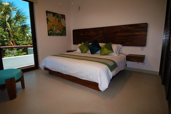 Penthouse with Rooftop Terrace and Jetted Tub - Akumal - Apto. en complejo residencial