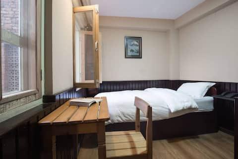 Single Room Bed & 1pax Breakfast Plan