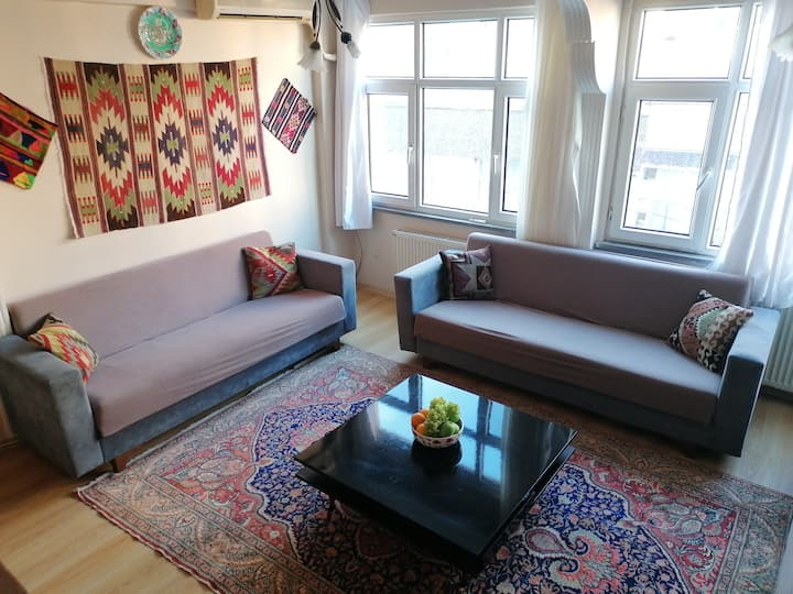 Your Own Room, close to Tram + Historical Sights