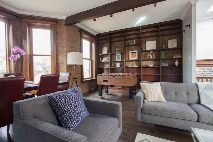 An open floor plan, tons of windows and comfortable, refined living await.