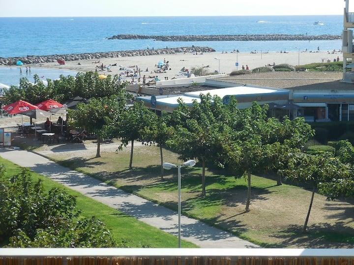 Appart vue mer, T2+cabine - piscine l'été