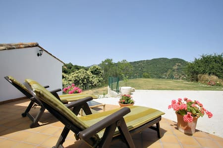 Villa Evelyn. Chalet with Garden. - Xalet