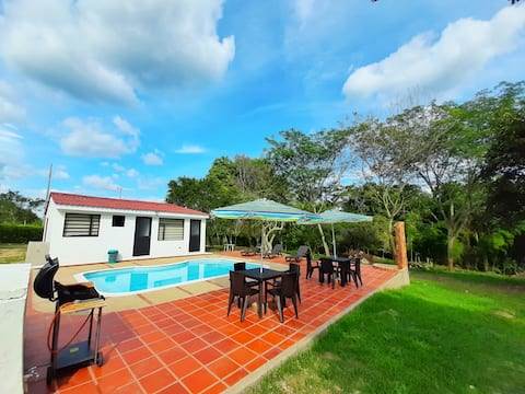 Carmen de Apicala Tol Country House with Pool