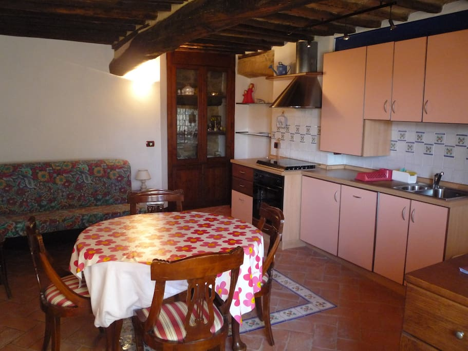 ingresso - cucina e soggiorno