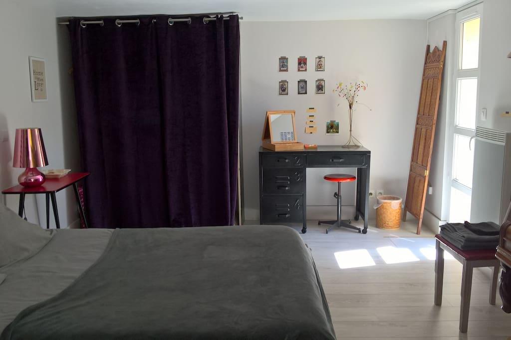 chambre au calme avec entr e et terrasse priv es maisons louer caen normandie france. Black Bedroom Furniture Sets. Home Design Ideas
