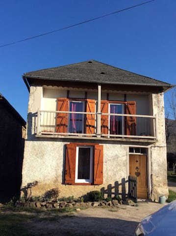 charmante maison dans hameau