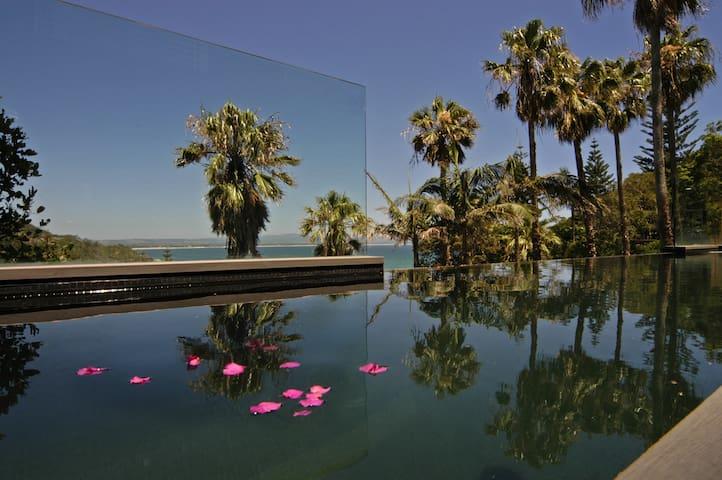 Byron Bay Villa -Contemp hotels - Byron Bay - Hus