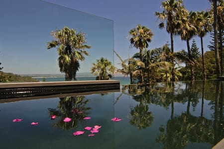Byron Bay Villa -Contemp hotels - Byron Bay