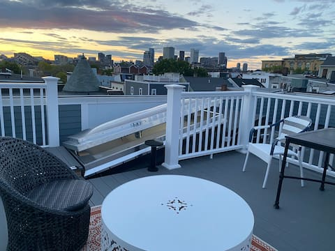 Brand new private suite, roof deck with city view!