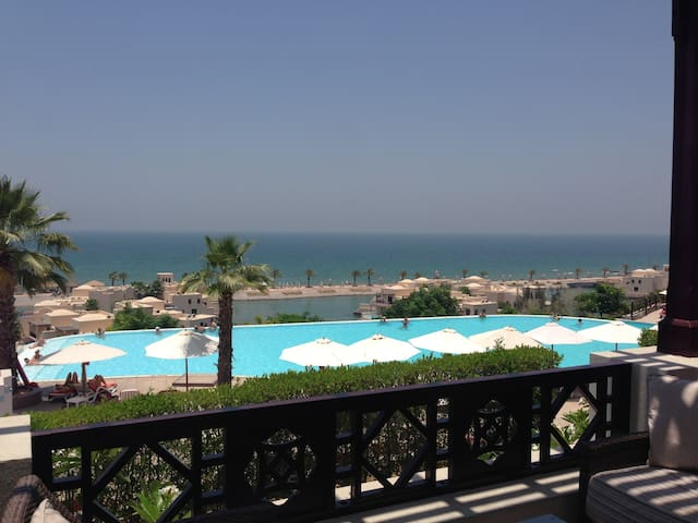 Ras Al-Khaimah: on the beach, peace, tranquility - Ras Al-Jaima