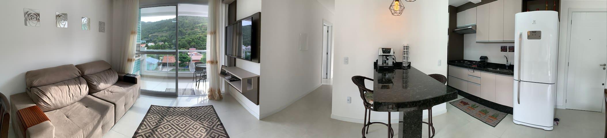Lindo apartamento muito próximo à praia de palmas.