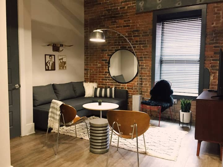 LOCATION! Walk everywhere Downtown from Loft! 104