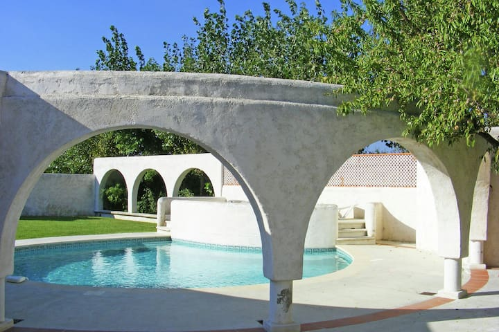 very comfortable house, located between Raissac and Canet d'Aude