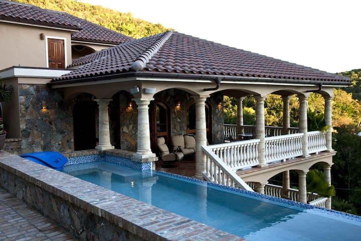 40 ft. long pool!