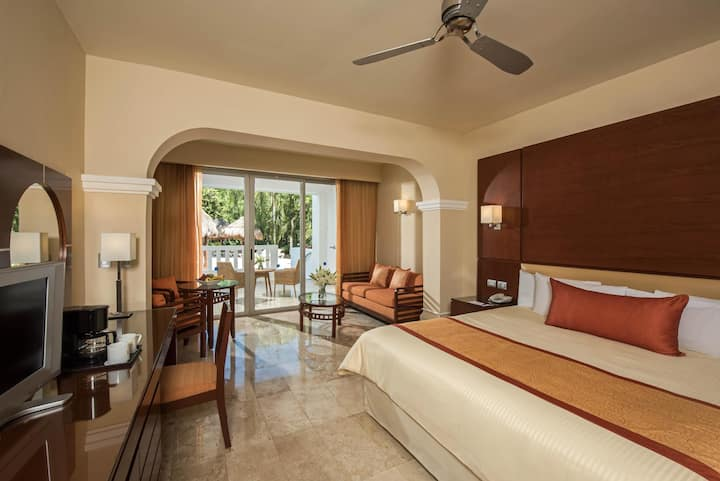 Fashioned Junior Suite Deluxe At Playa Del Carmen