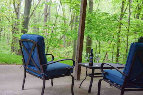 Woodland Retreat - private deluxe 2 bed suite