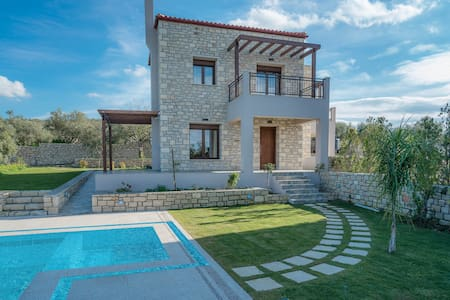 Olive garden villa with private pool (Anthelia) - Rethimno