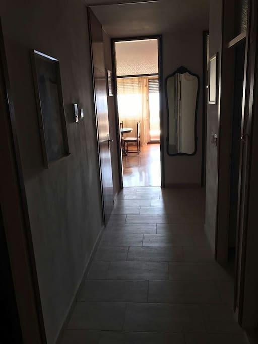 Hodnik od ulaza do dnevnog boravka
