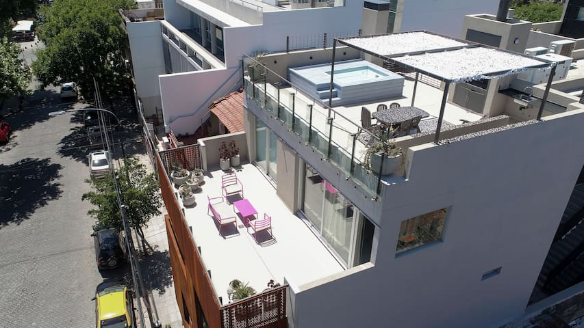 Lots of Sun -Heated Floors -2BR -Private Terraces