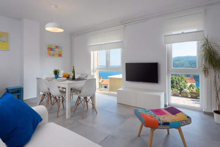 ArtApArt D with a beautiful seaview for 5 persons