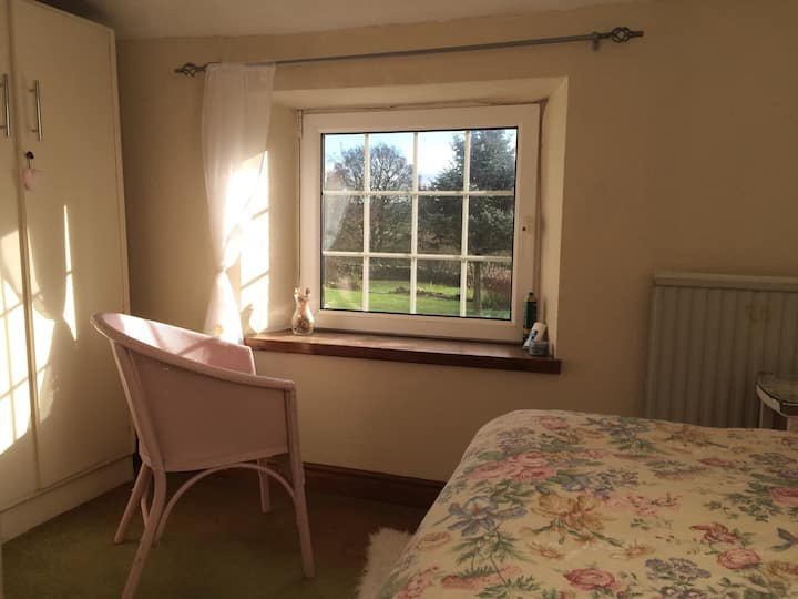 Single Bedroom in Cumbrian Cottage