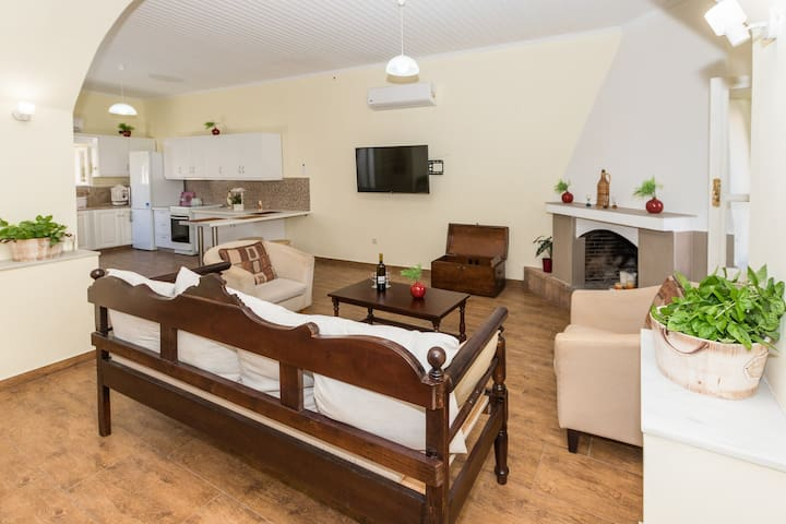 Angels' Home- Modern & Comfy, Fully equipped 3BD
