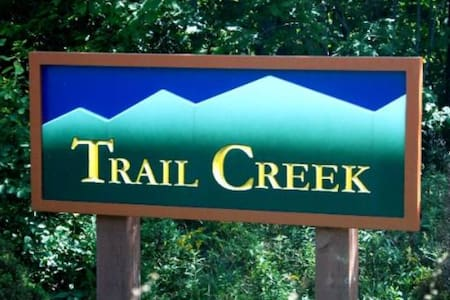 Trail Creek is a short walk to lifts and lodges - Killington