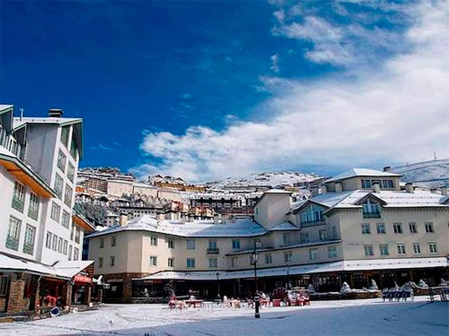 20 meters from the slopes, parking and Wifi