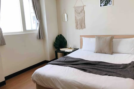 New Taichung FengJia Ensuite Double Room with lift
