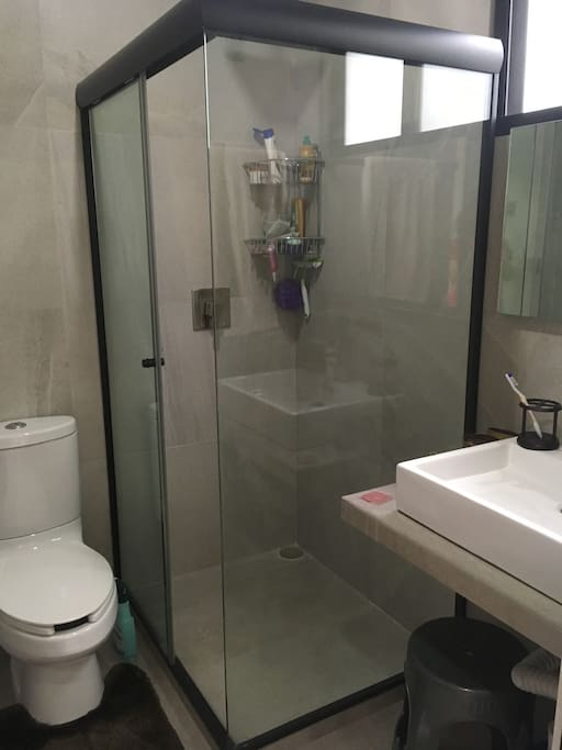 Baño privado con agua caliente