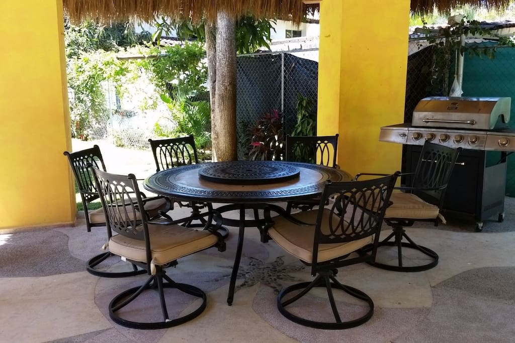 Palapa with gas BBQ grill